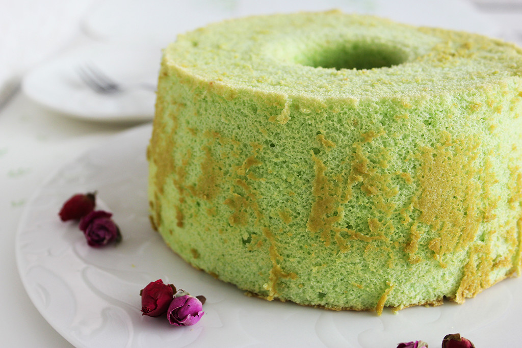 PANDAN CHIFFON CAKE RECIPE An easy-to-follow recipe for pandan chiffon ...