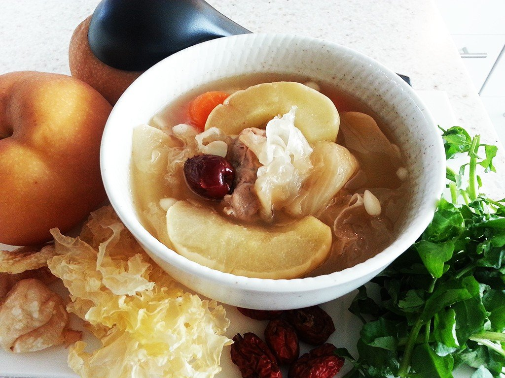 Pear_with_Snow_Fungus_and_Figs_Soup2