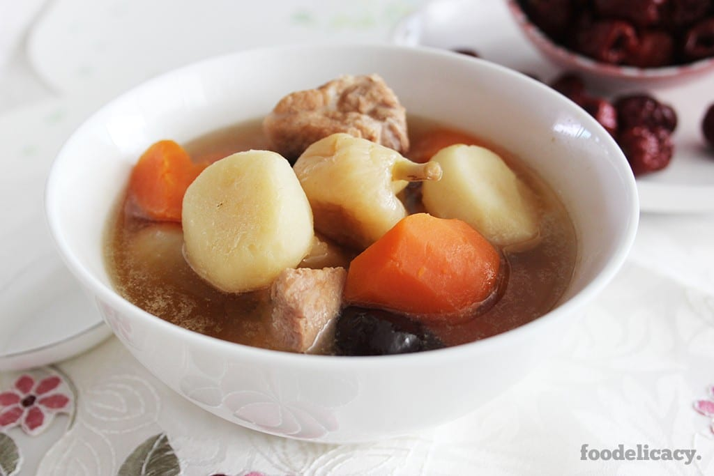 Water Chestnut and Pork Ribs Soup