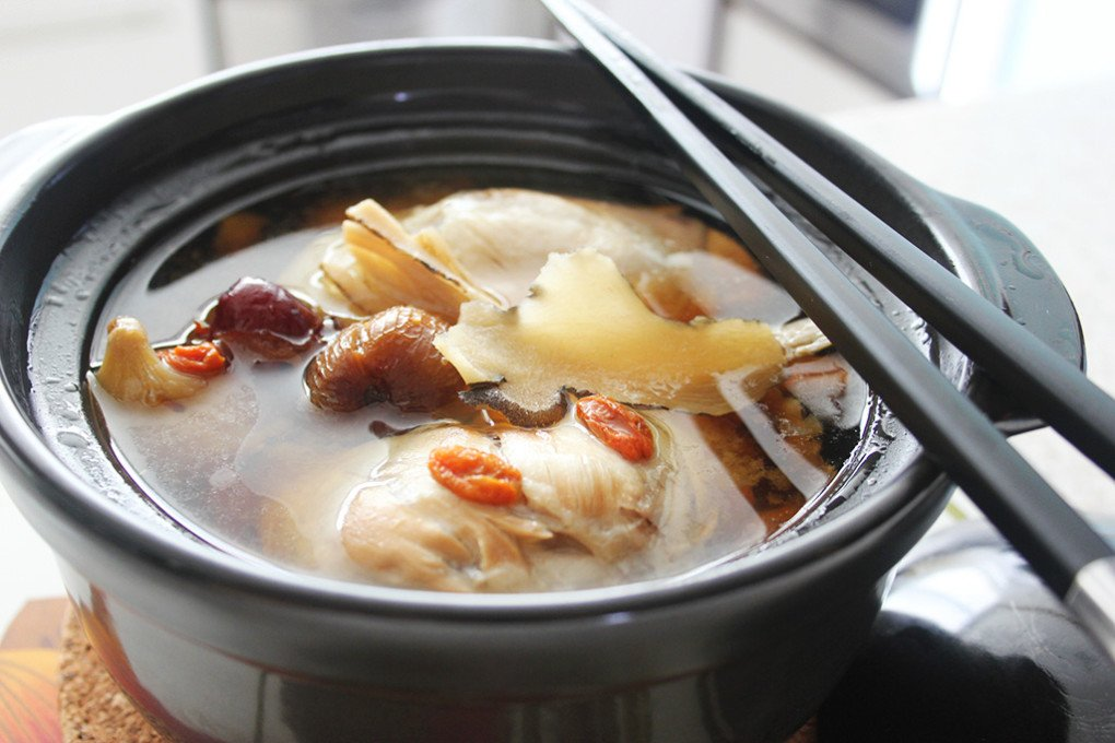 Double_Boiled_Herbal_Chicken_Soup1