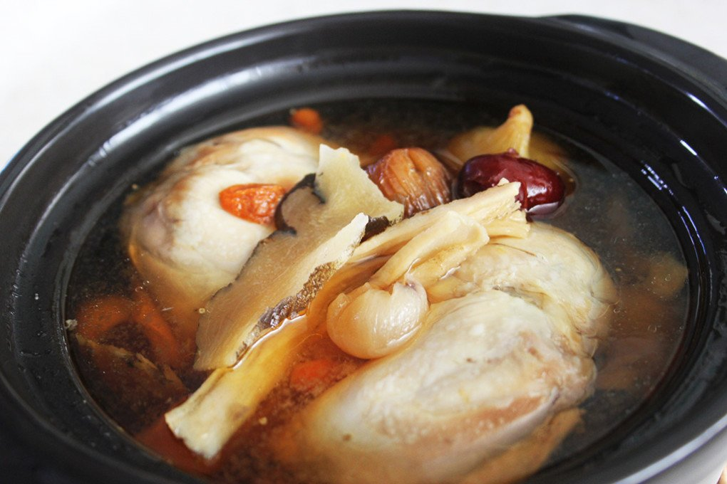 Double_Boiled_Herbal_Chicken_Soup2