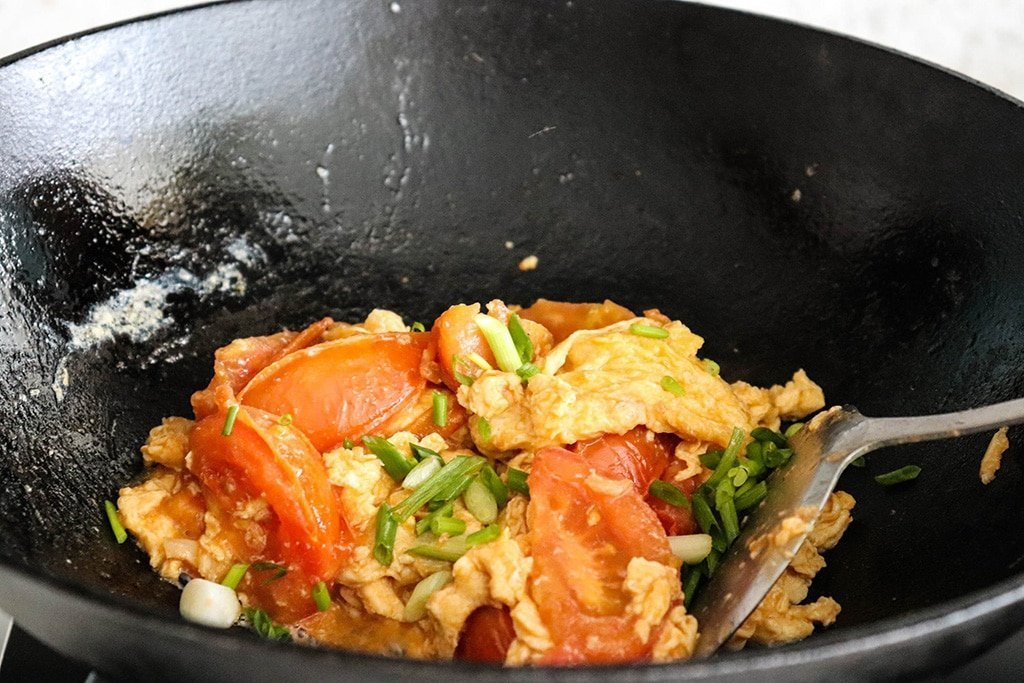 step-by-step pictures of cooking chinese egg and tomato omelette