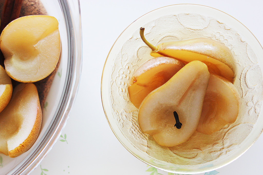 Pears_Steamed_with_Cinnamon_and_Cloves4A