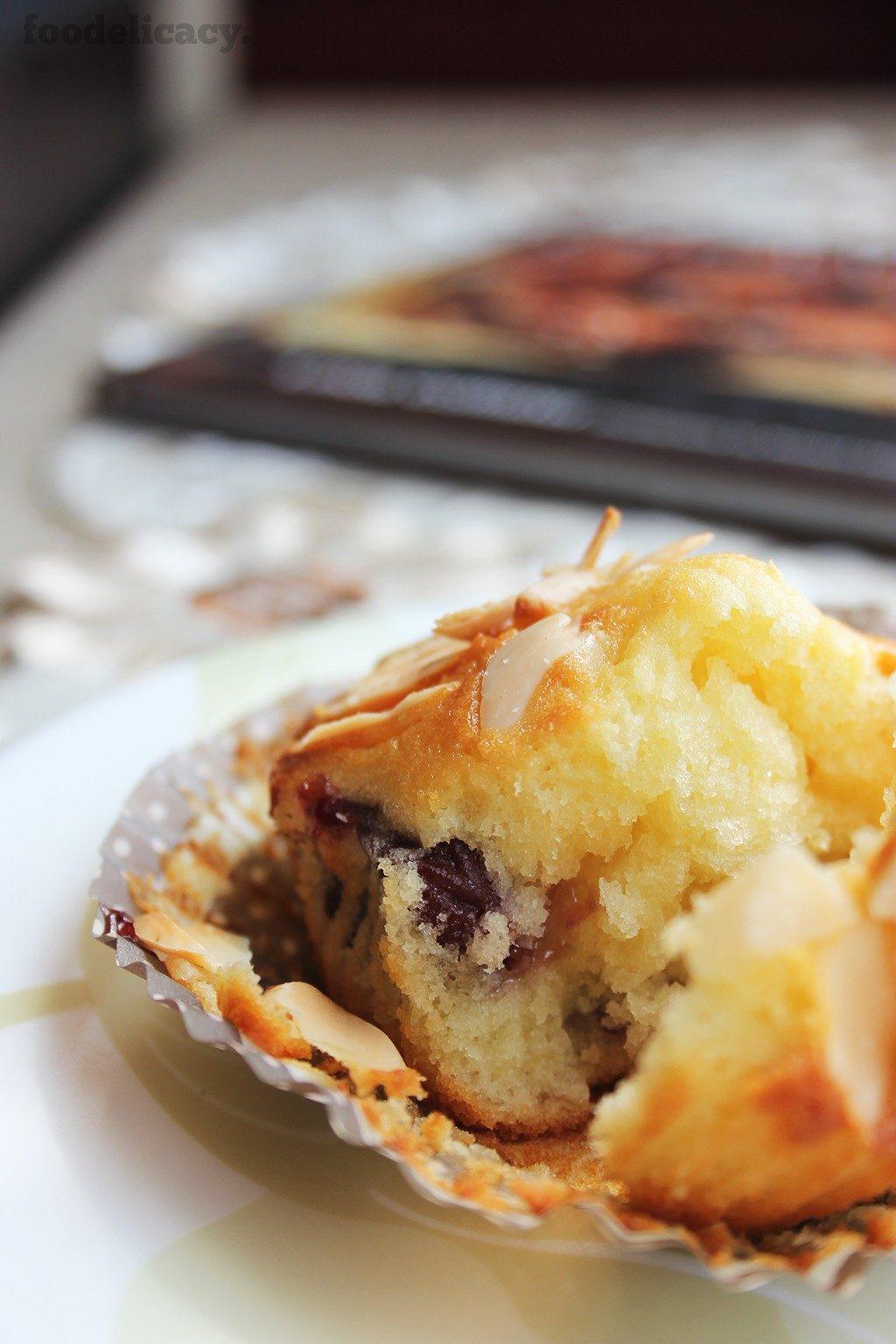Almond_Cherry_Muffins_4
