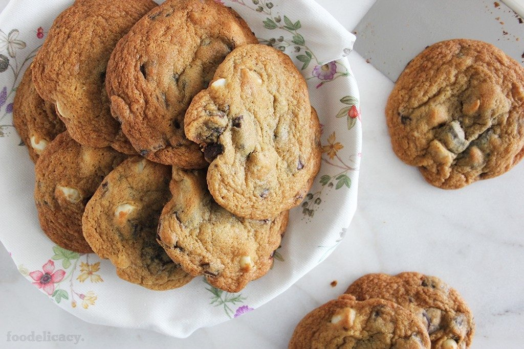 Chunky_Chewy_Chocolate_Chip_Cookies_6