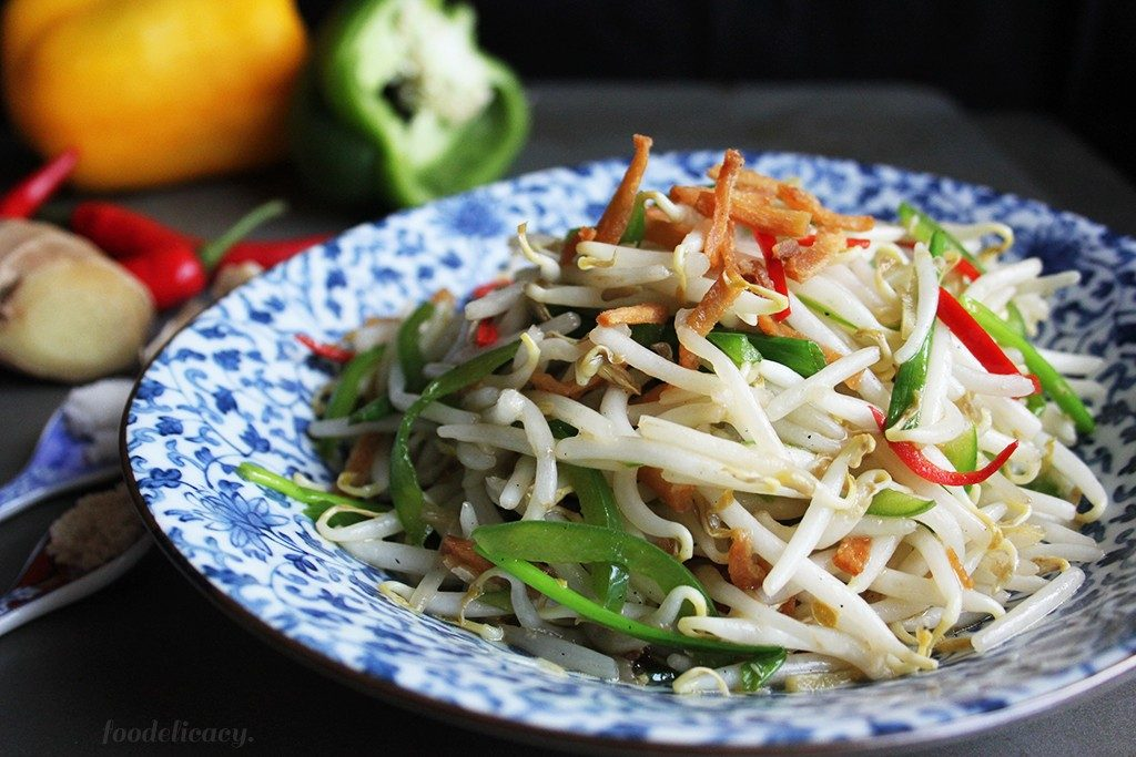 Stir_fried_Bean_Sprouts_with_Salted_Fish_1