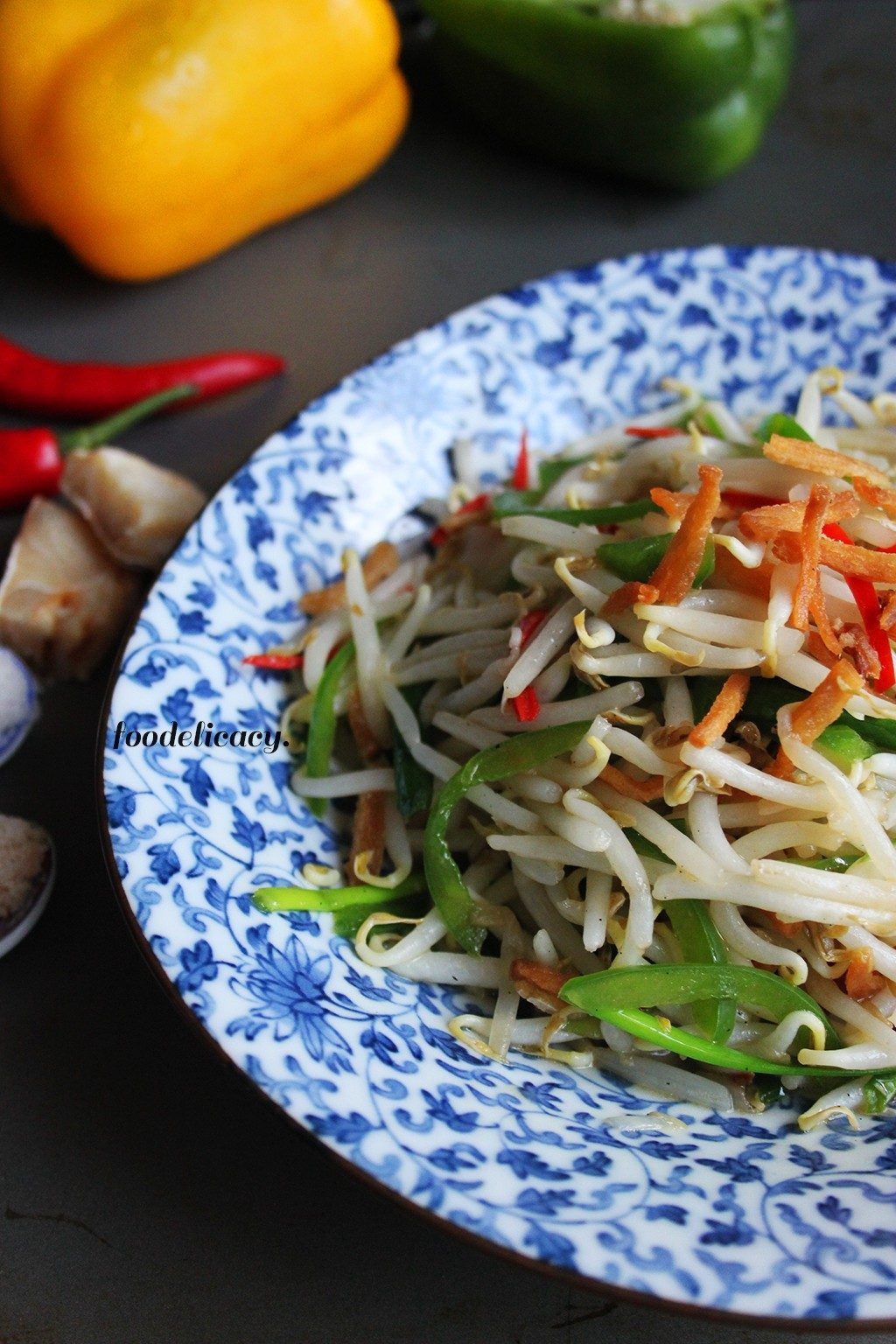 Stir_fried_Bean_Sprouts_with_Salted_Fish_2
