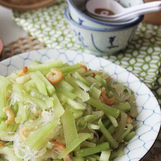 stir fried hairy gourd with mung bean vermicelli