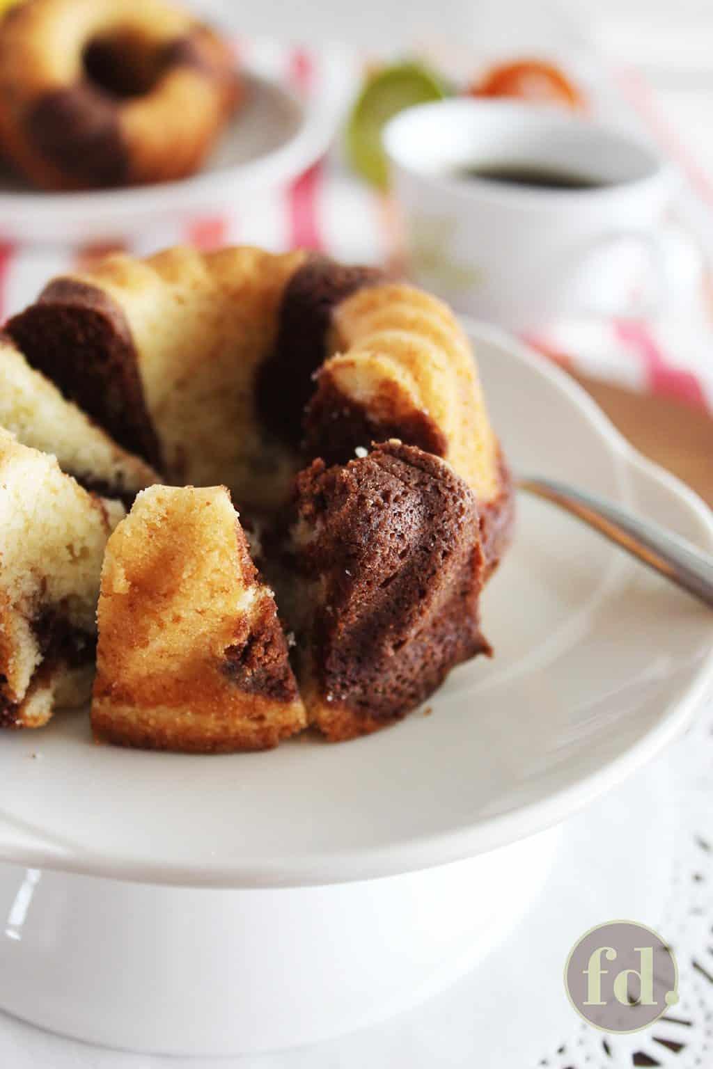 marble_mini_bundt_cakes_5