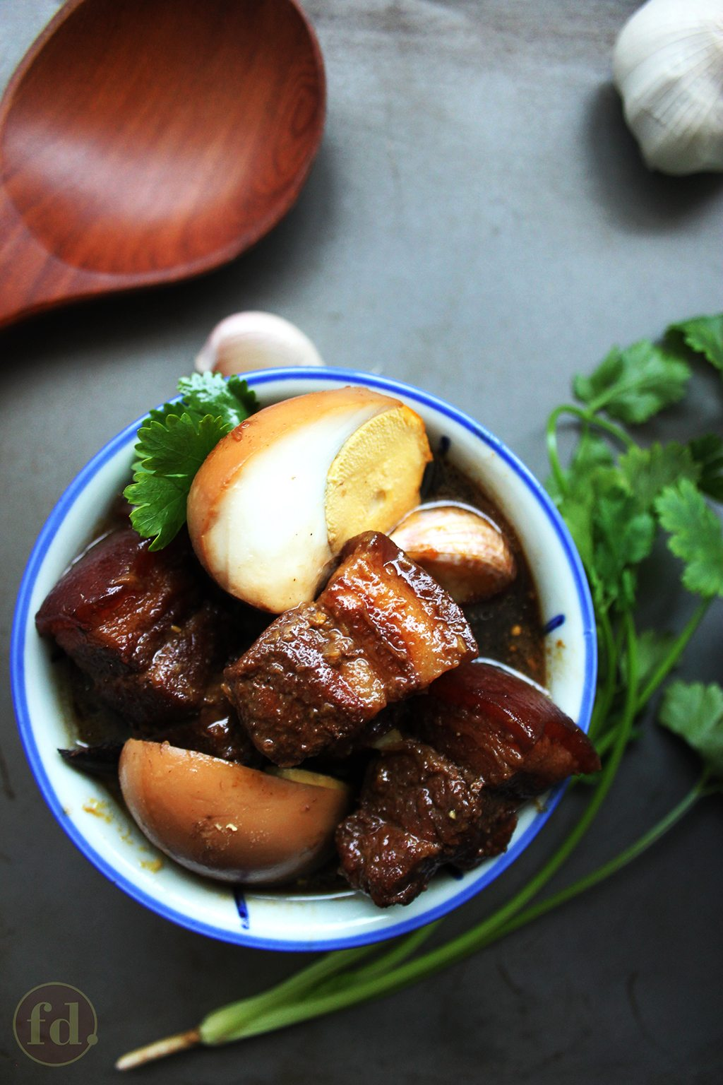 pork_with_eggs_in_soy_sauce_1