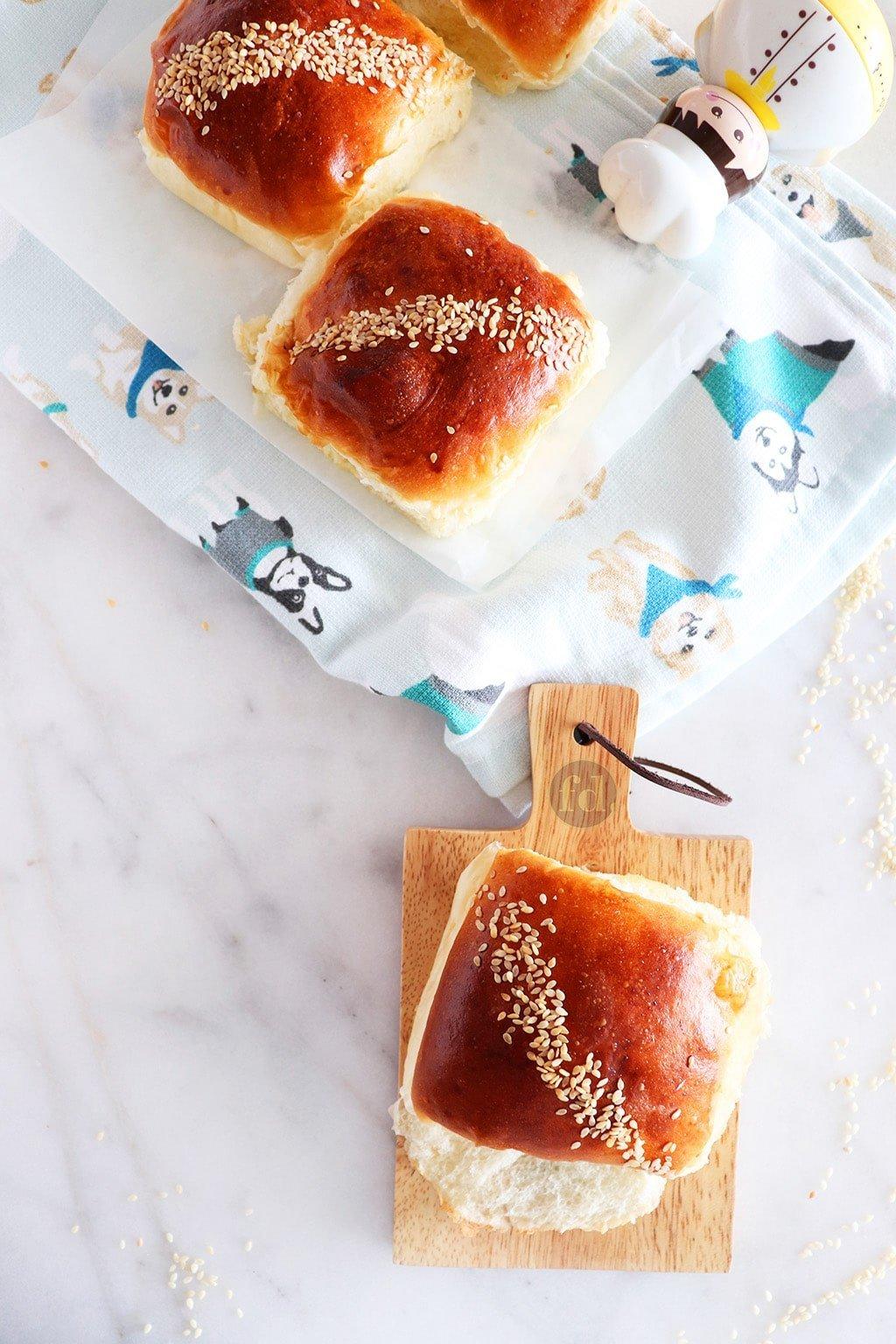Soft & Moist Bakery-Style Butter Coconut Buns