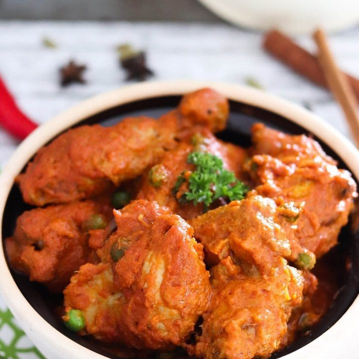 A classic Malaysian dish of chicken in spicy tomato sauce