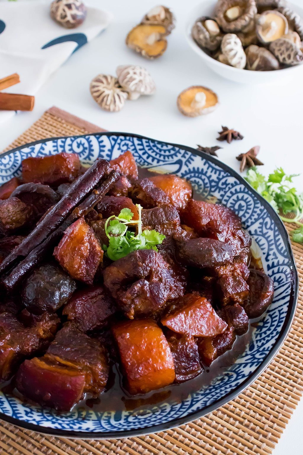 braised pork belly in soy sauce (tau yu bak)