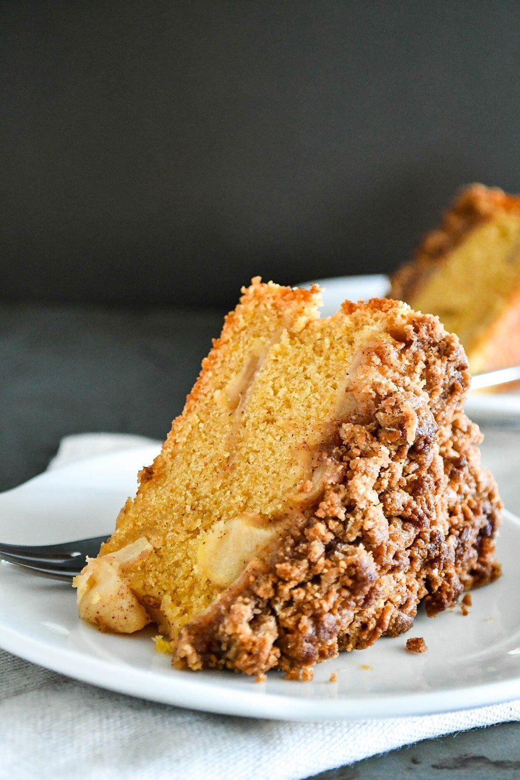 apple cake with brown sugar cinnamon streusel topping