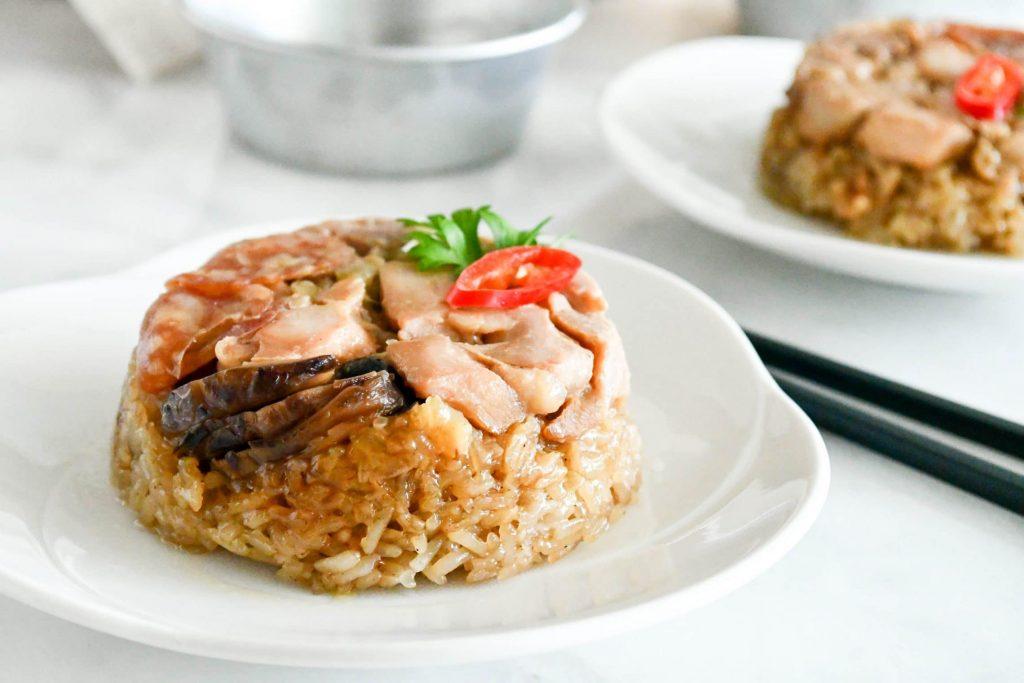 loh mai kai (steamed glutinous rice with chicken)