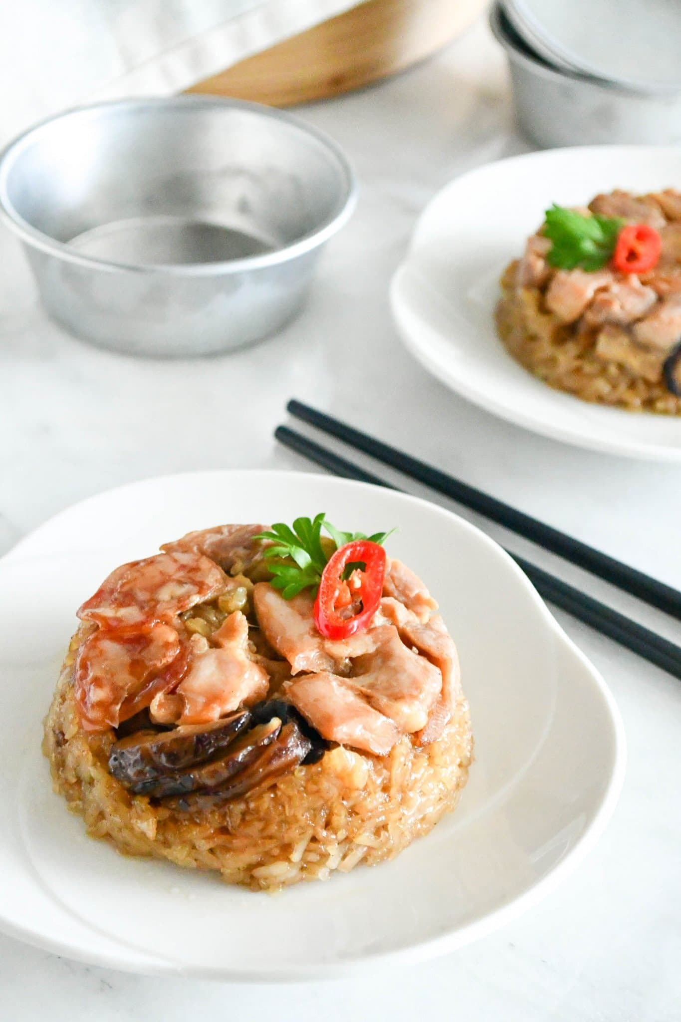 loh mai kai (steamed glutinuos rice with chicken)