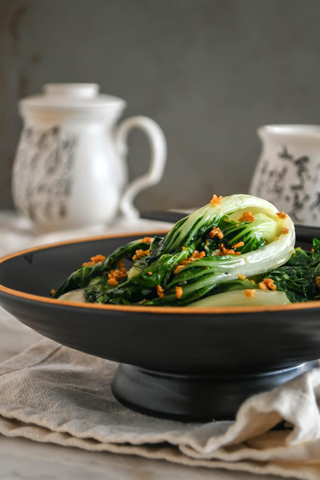 Stir-fried Nai Bai with Garlic