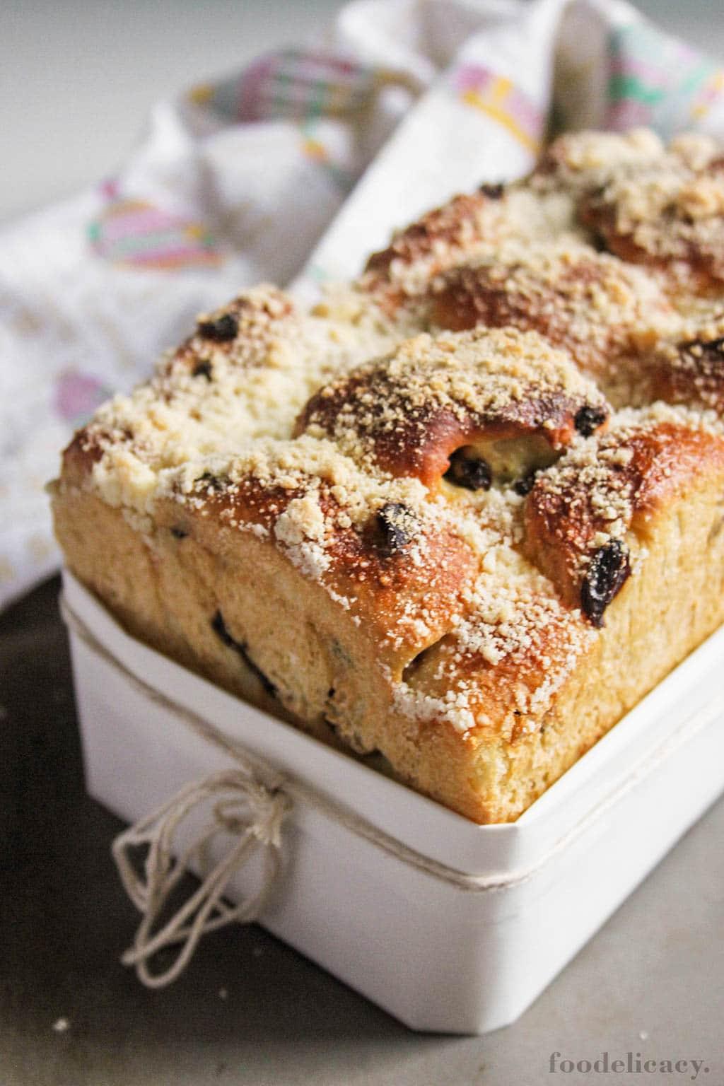 Pandan Raisin Bread