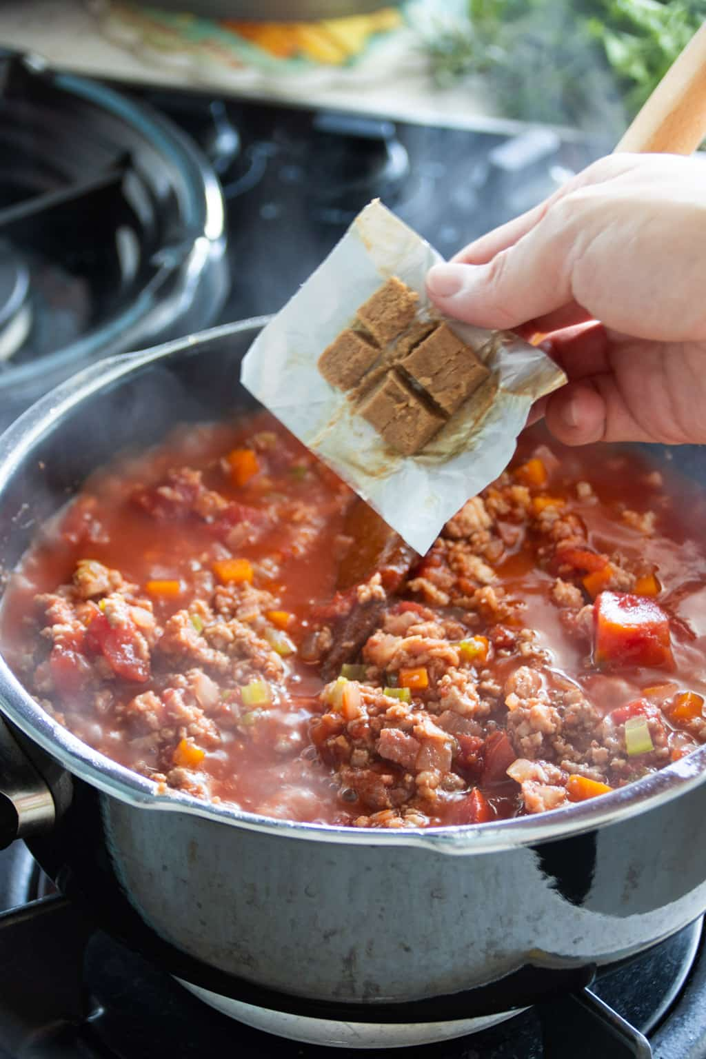 Adding beef stock cubes to bolognese sauce