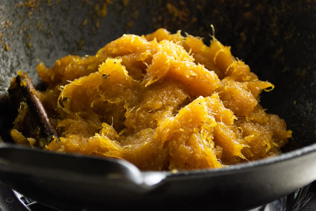 The final texture of cooked pineapple jam