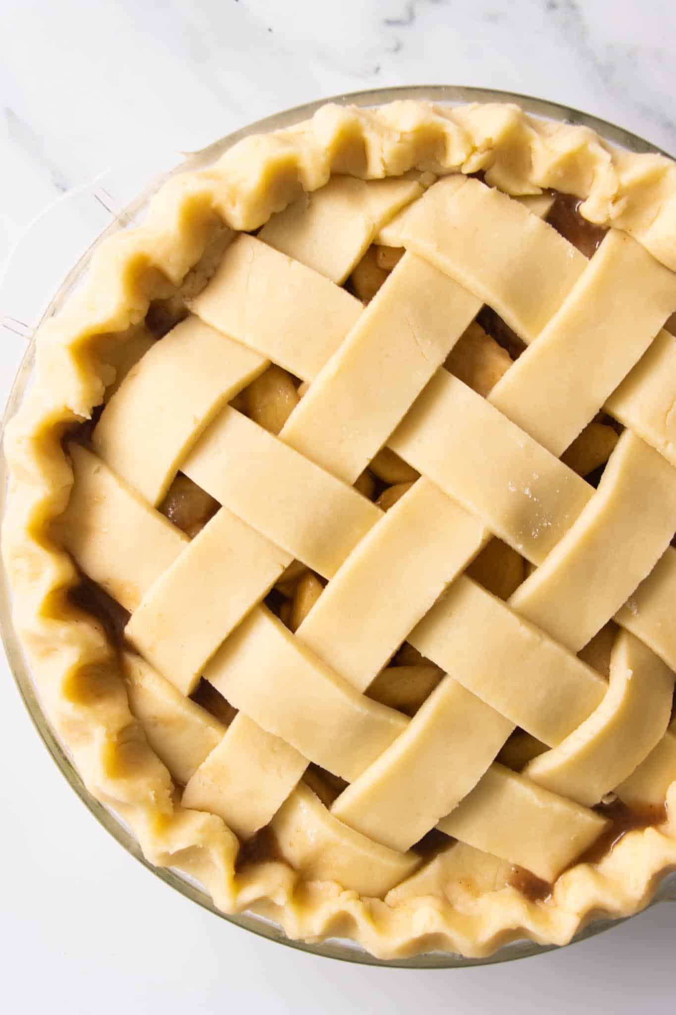 apple pie with lattice crust top